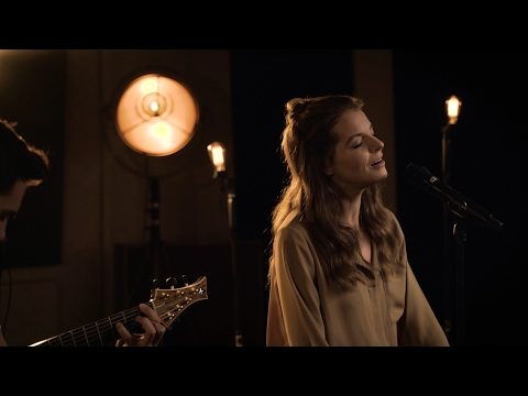 Yvonne Catterfeld – Was bleibt (Akustik Video)